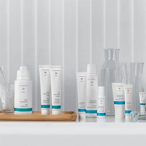 Dr. Hauschka - Pure Nature